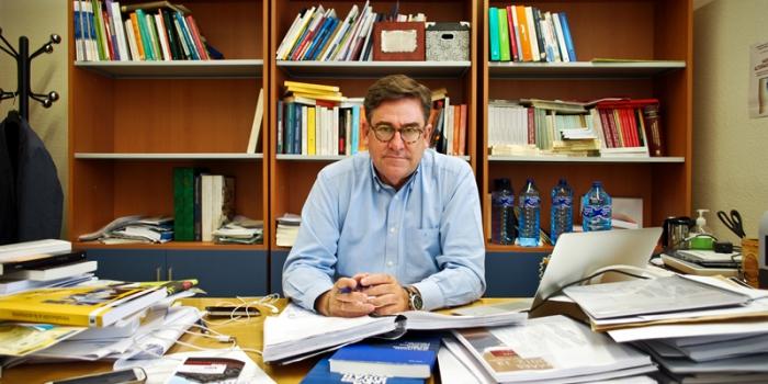 Juan Torres: «El 15M debe ir a la gente, no esperar en las plazas a que ésta venga»
