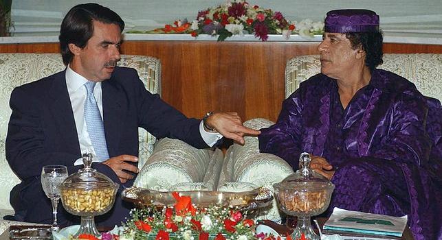 Aznar pactó una comisión del 1% con Abengoa para conseguir adjudicaciones en la Libia de Gadafi