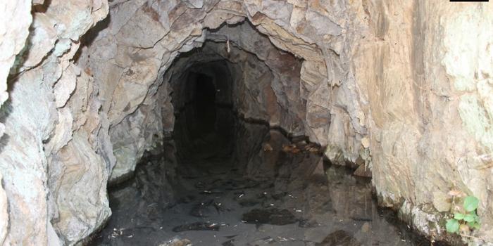 Peñas Altas, el asedio a una mina irreductible